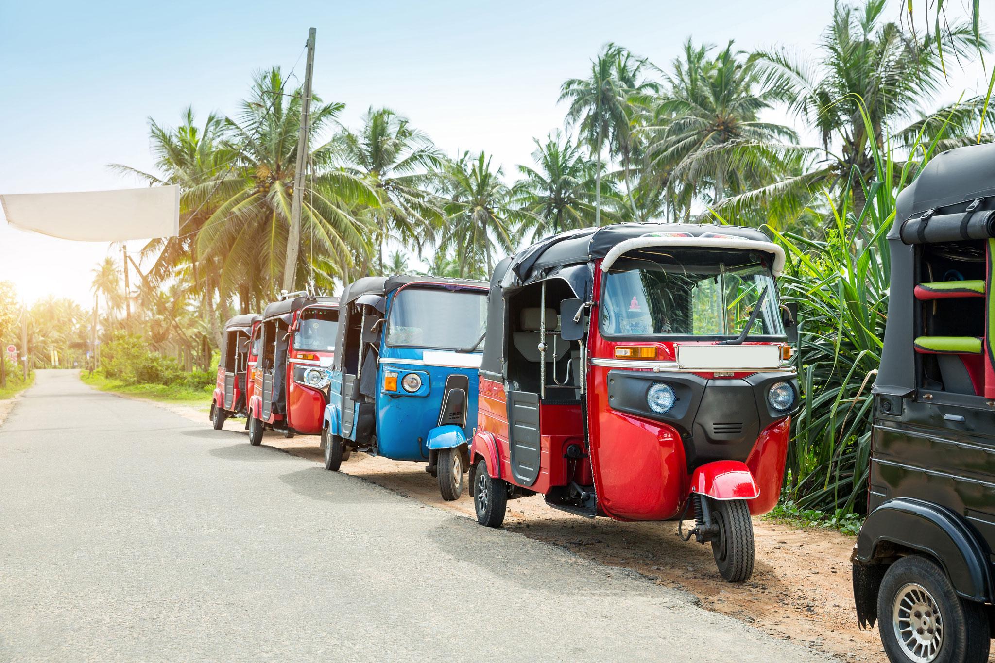 Tuktuk véhicule électrique propre Île de La Réunion Otétuktuk